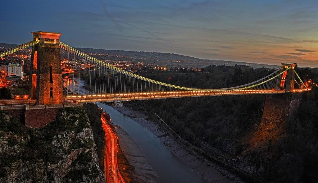 Yksi lempiosistani Bristolissa: Clifton Suspension Bridge. Kuvan lähde: http://www.startupbootcamp.org/events/sbc-insurance-bristol-fasttrack.html